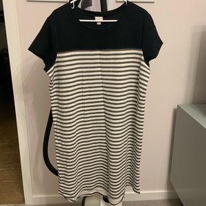 Short Sleeve Shift Dress, Black/White Stripes XXL